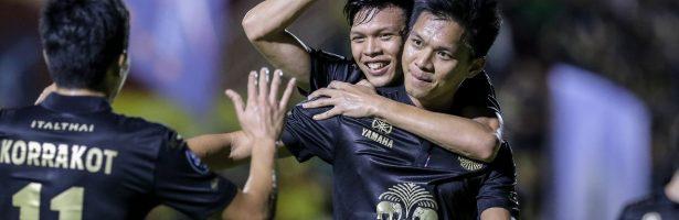 """""""ช้าง"""" สานต่อล้านความฝัน เคียงข้างวงการฟุตบอลไทย"""