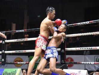 """"""" รุ้งนารายณ์ """" ยอดมวยถ้วยพระราชทาน 61 โดนอาถรรพ์แพ้น็อคมวยไทยเวทีมวยลุมพินี"""